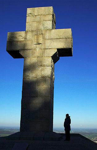 Croix en Pierre à Autun
