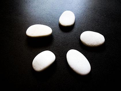 Divination avec les pierres - Lithomancie