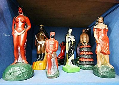 Figurines de Macumba au Brésil