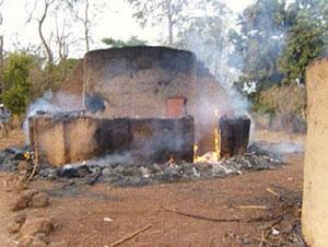 Hutte incendiée