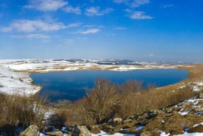 Un lac dans l'Aubrac