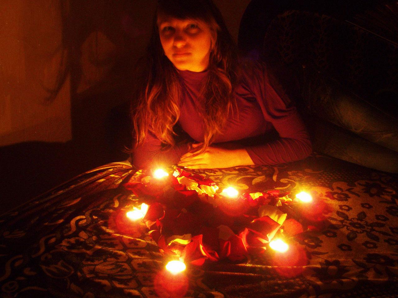 La Magie Rouge Et Les Rituels Magiques De Seduction C Est Dramatic