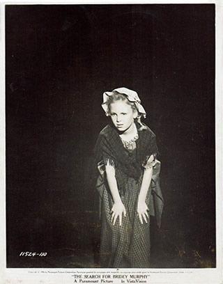 L'actrice Denise Freeborn incarnant Bridey Murphy