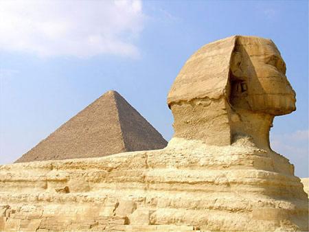 Le Sphinx et la Grande Pyramide