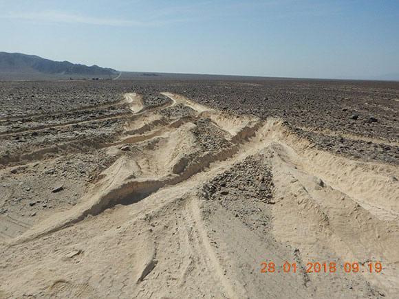 Traces laissées par un camion à Nazca